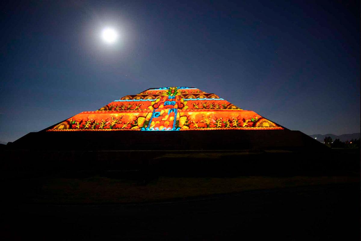 Teotihuacán-Nocturno-02