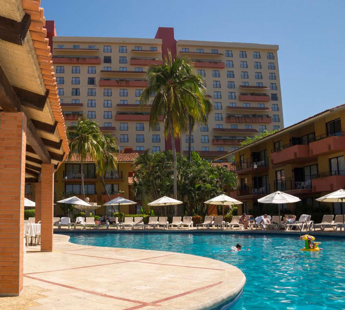 Vete de vacaciones a Holiday Inn Ixtapa con Viatge